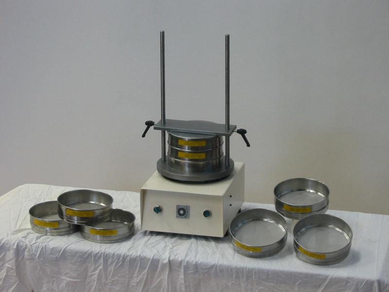 Przesiewacz laboratoryjny elektryczny